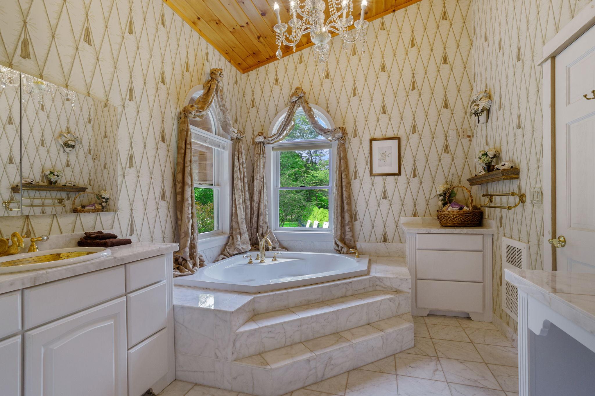 Grand Master's Bathroom