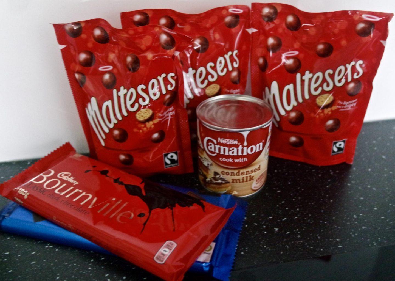 Super Easy, No Bake Malteser Squares || Recipe