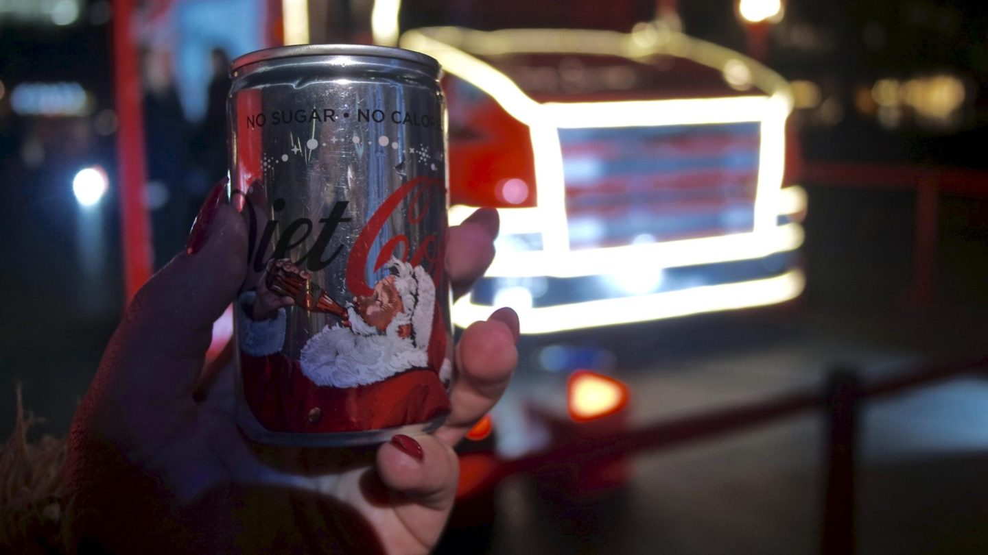 Holidays Are Coming - Coca-Cola Christmas Truck Tour 2016 || Life Lately