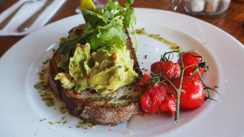 Brunch At Bob's Cafe, Ealing Broadway    Avocado Smash
