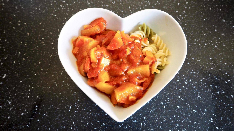 Vegan-Friendly Pineapple Jalfrezi Curry Recipe || Food & Drink