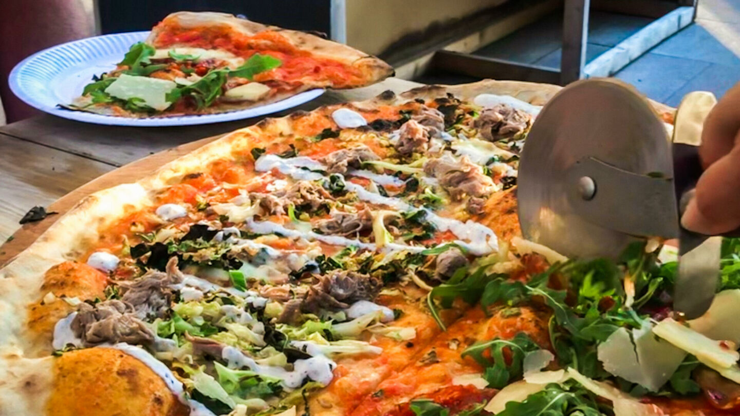 """Homeslice White City Review (20"""" Pizzas!) 