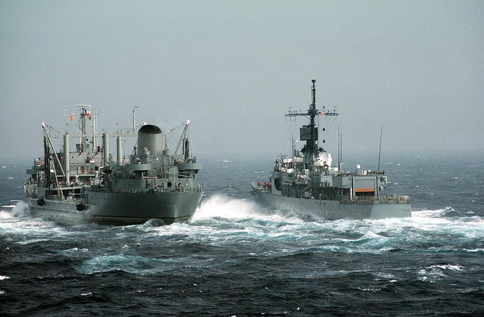 Rusya, Kırım'da Ukrayna Savaş Gemisini Vurdu!