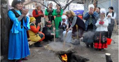 Kırgızlar'da Yüz Yıllardır Nevruz Bayramı Geleneği Sümölök