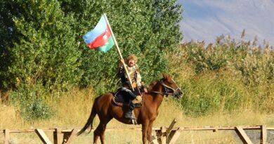 Kırgız Türklerinden Kenan Aytaç,