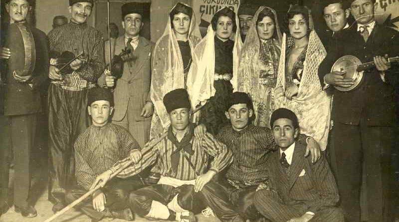 İstanbul' da Kırım Tatar folklor