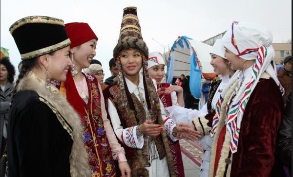 """Kazak Türkleri Nevruz bayramına bir hafta kala """"Amal"""" geleneği"""