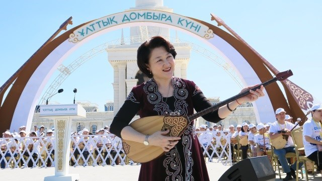 Dombıra, Kazak halkının ruhunun ve duygusunun tercümanı
