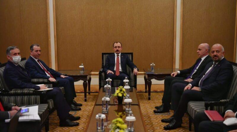Ticaret Bakanı Mehmet Muş, Irak Türkmen Cephesi Yürütme Kurulu Üyesi Aydın Maruf ile de bir görüşme yaptı