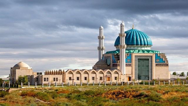 Türk Dünyasının manevi başkenti Türkistan'da yer alan Hoca Ahmet Yesevi Camii