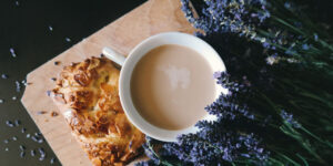 coffee, cake and bunch of lavender | Spanish transcreation services