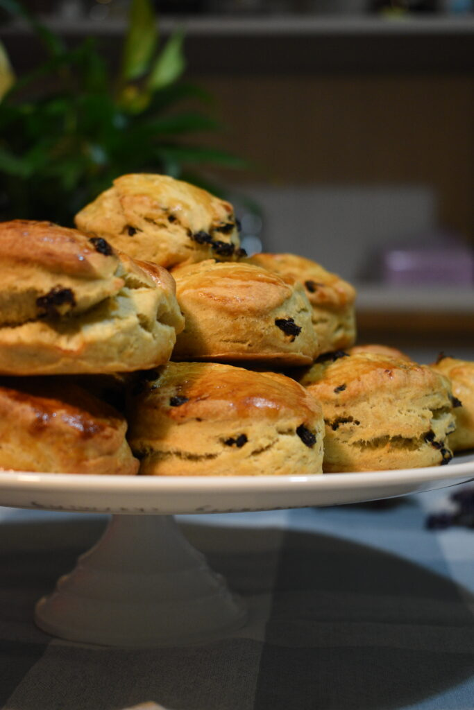 Blackcurrant scones | PiliRodriguezDeus.com