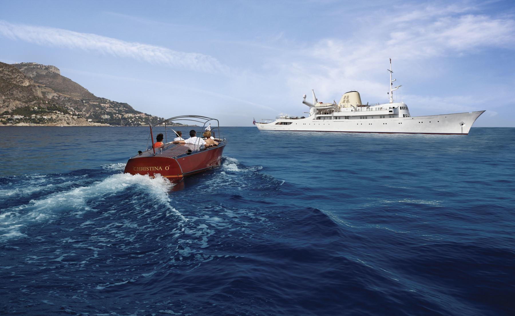 99m-Yacht-CHRISTINA-O-691-158