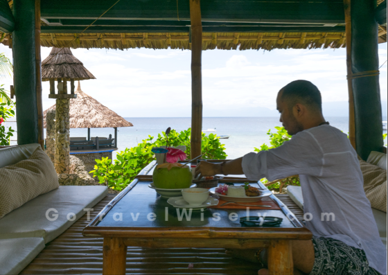 lunch, food, man, beachfront, moalboal, cebu, travel guide, snorkeling