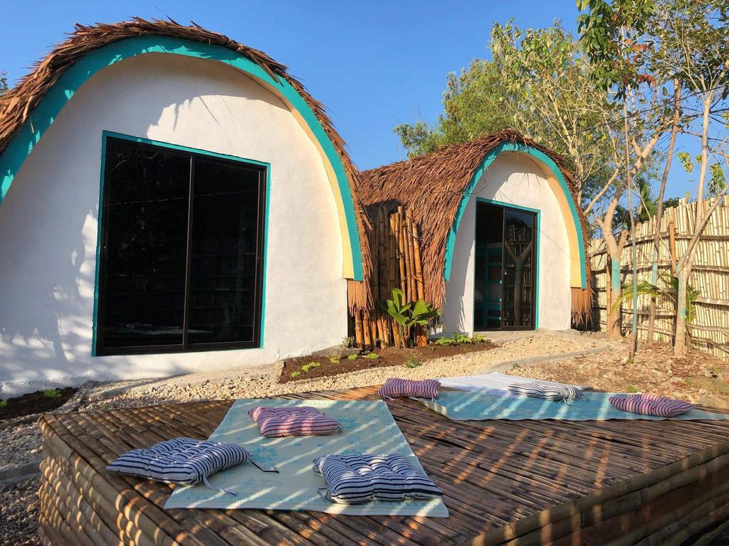 Booking's best hostel in Siquijor - Love Shack Hostel in siquijor
