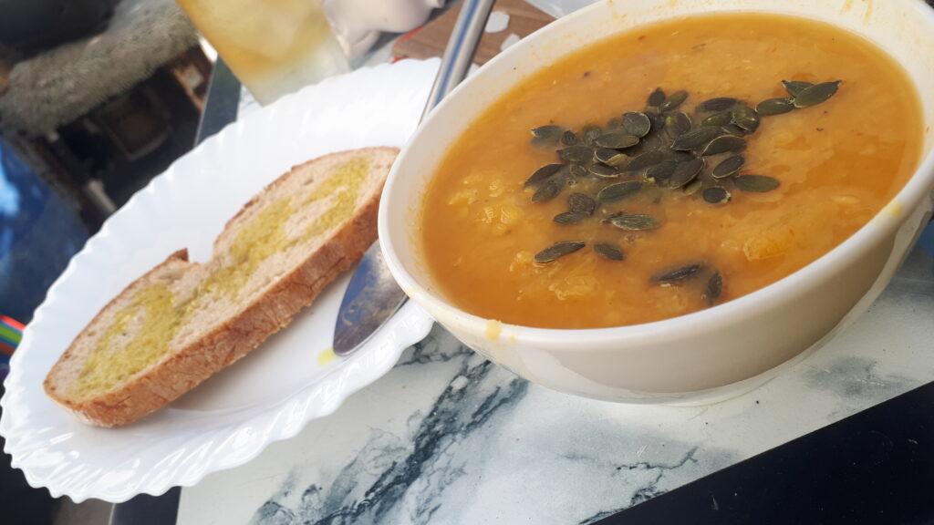 veganised pumpkin red lentil soup