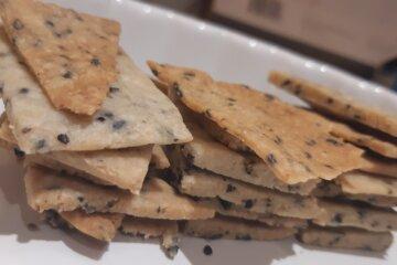 homemade gf almond sesame crackers