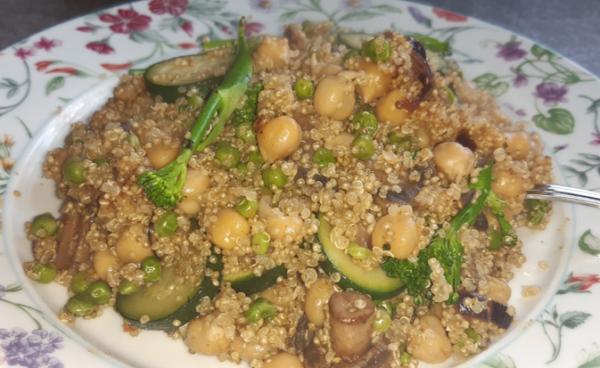 veggie chickpea quinoa