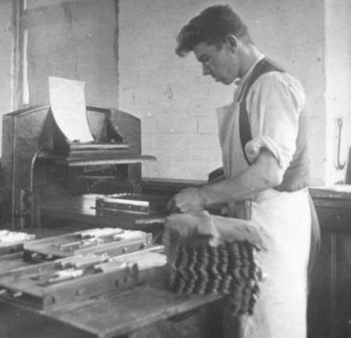 glove-making-tile - Gloving
