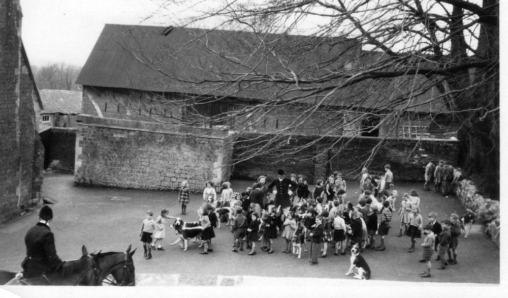 00217-Hunt-at-Newtown-school - Education Gallery