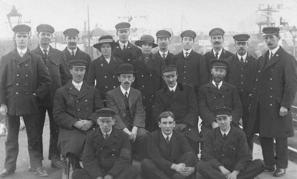 00238-railway-GWR - Station Road & Ironworks