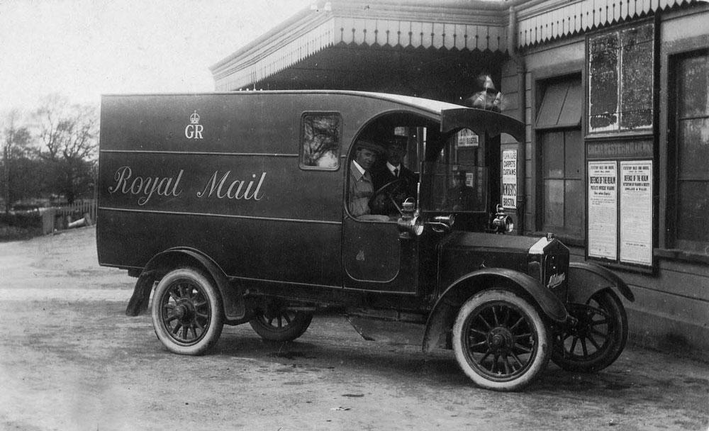 00243-station-royal-mail-truck - Station Road & Ironworks