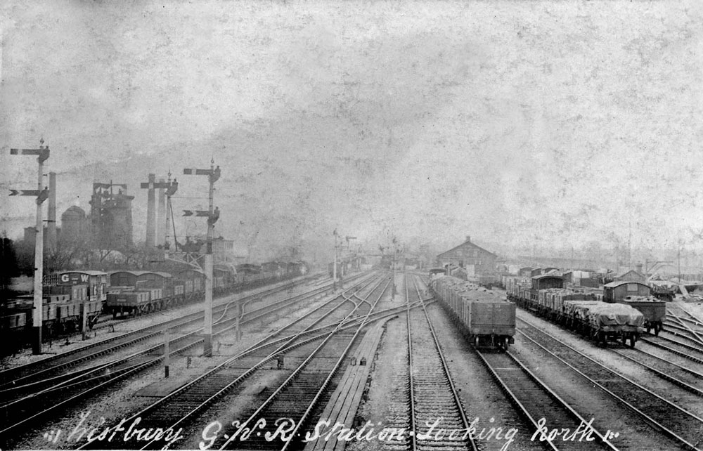 00245-station-looking-north - Station Road & Ironworks