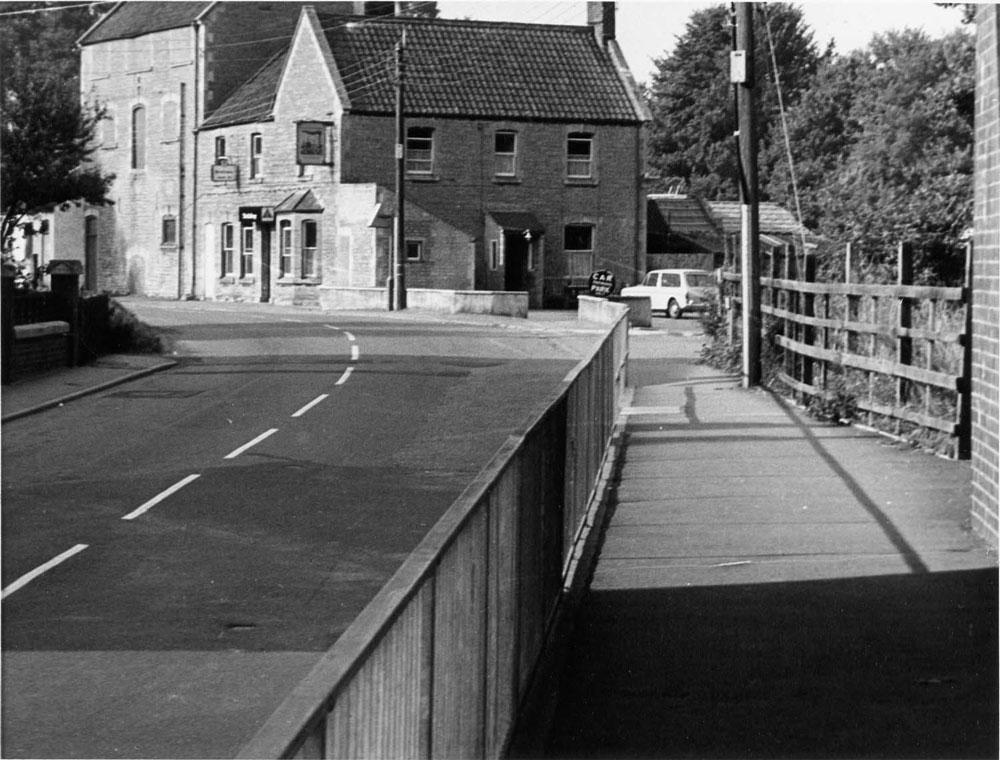 00248-railway-inn - Station Road & Ironworks