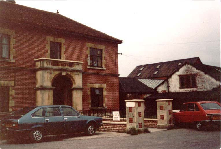 00332-w.leigh-tanyard-offices- Mills