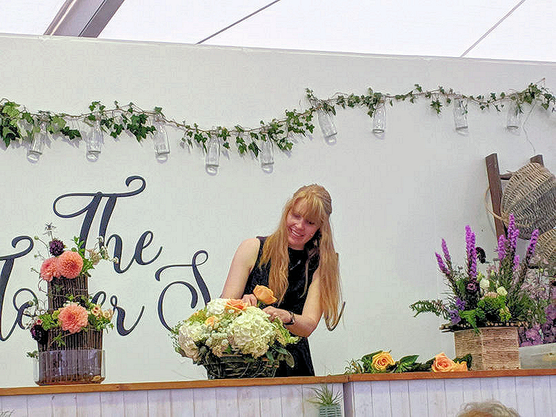 National foam free Flower Arranging demonstration. Claire from florry at RHS Tatton.