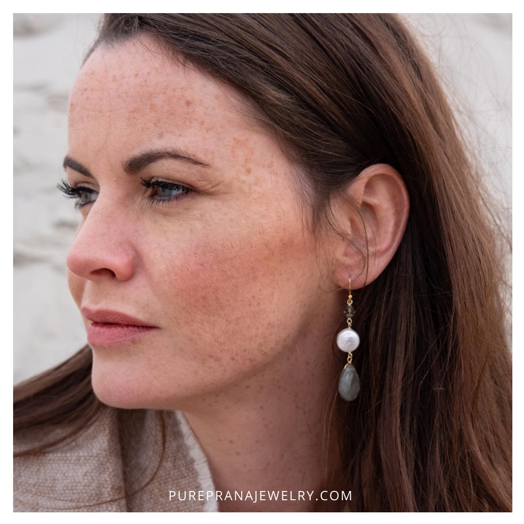 Portfolio_Instagram_Pure Prana Jewelry_Donker_Labradorite Pearl