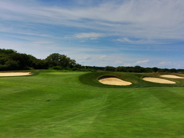 Difficult Bunkers Protect The Green Of The Par-5 Eighth Hole At Newport National Golf Club In Middletown, Rhode Island. (Mike Bailey/Golf Advisor)