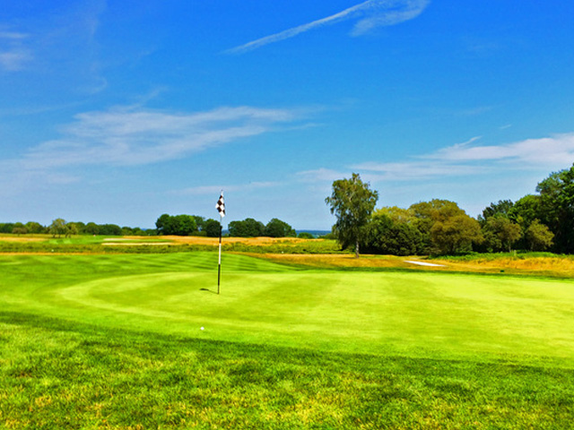 The Front Nine At Newport National Golf Club Ends With A Short Par 4. (Mike Bailey/Golf Advisor)
