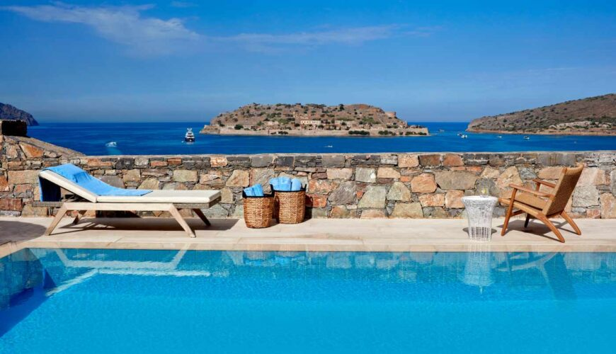 Blue-Palace_New-Island-Suites_pool