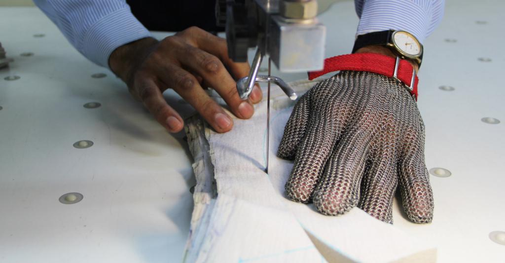 Cutting - band knife - Garment Manufacturer