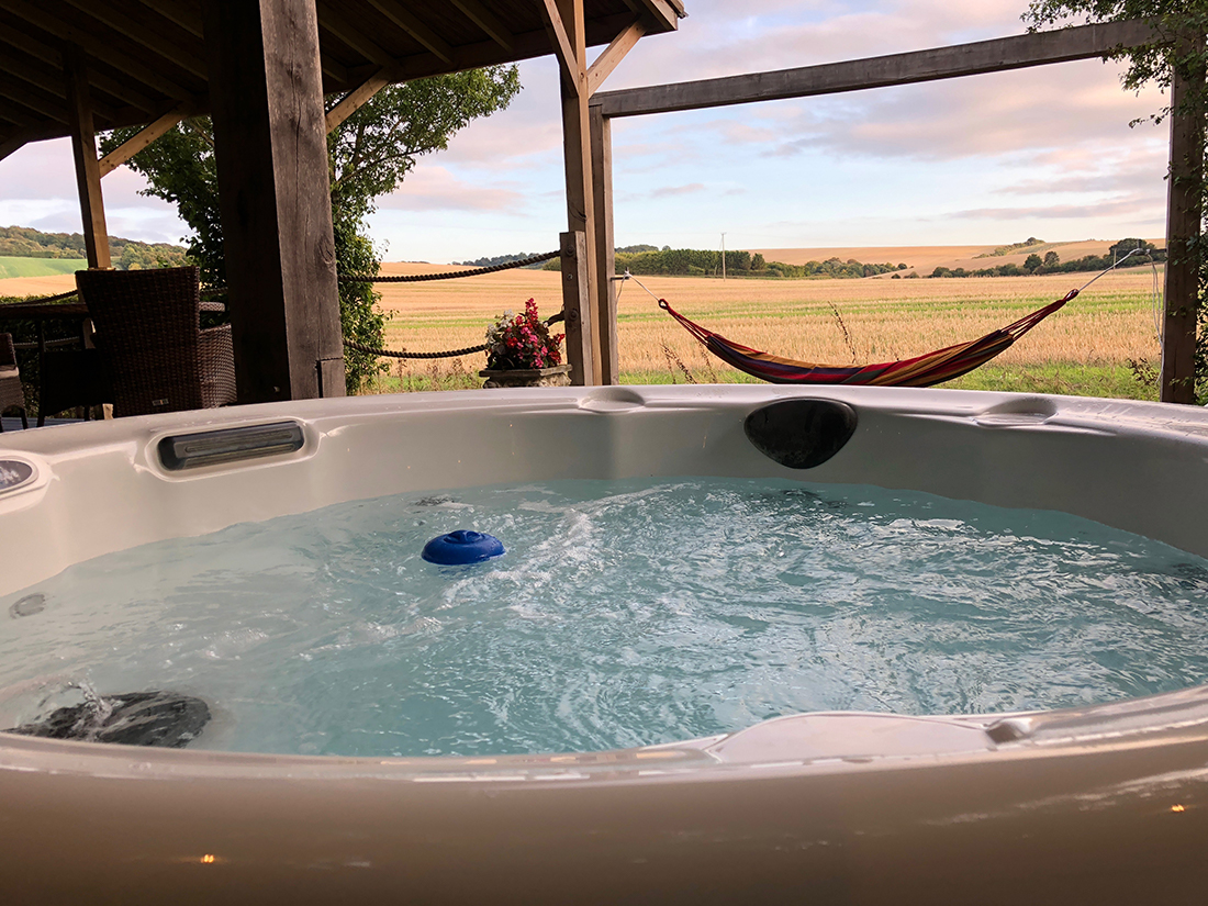 lodge hot tub