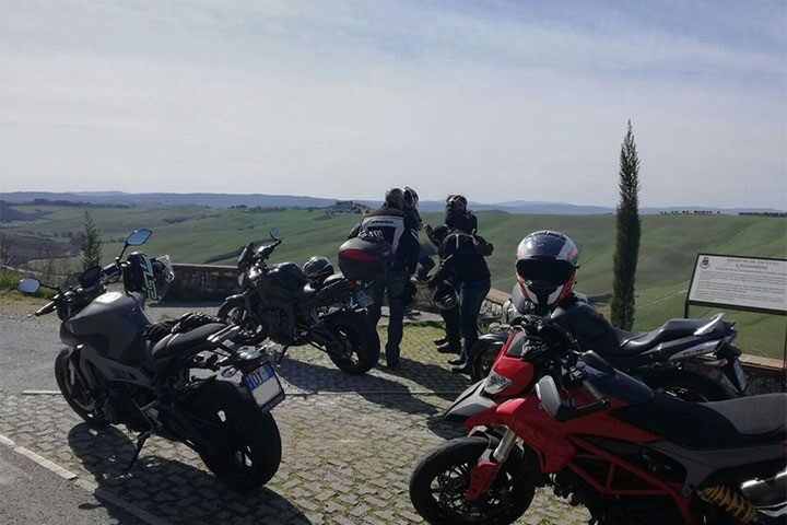 tuscany-motorcycle-tours-gallery-on-the-road-2