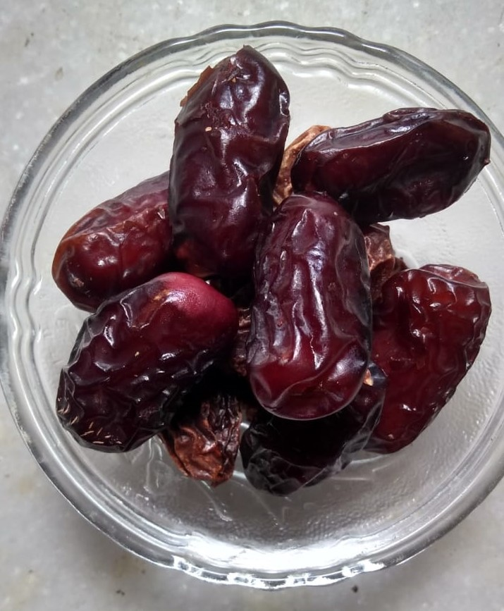 Top 9 Amazing Benefits Of Eating Dates for Skin, Hair And Weight Loss