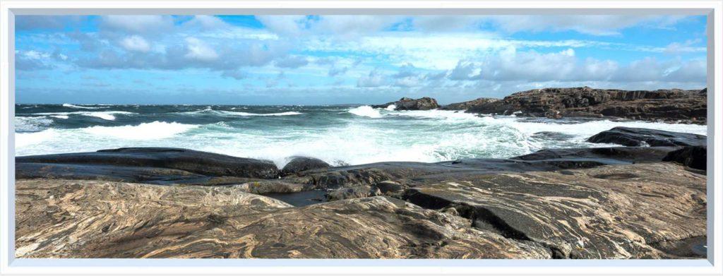 1 panel landscape window with waves on rocks