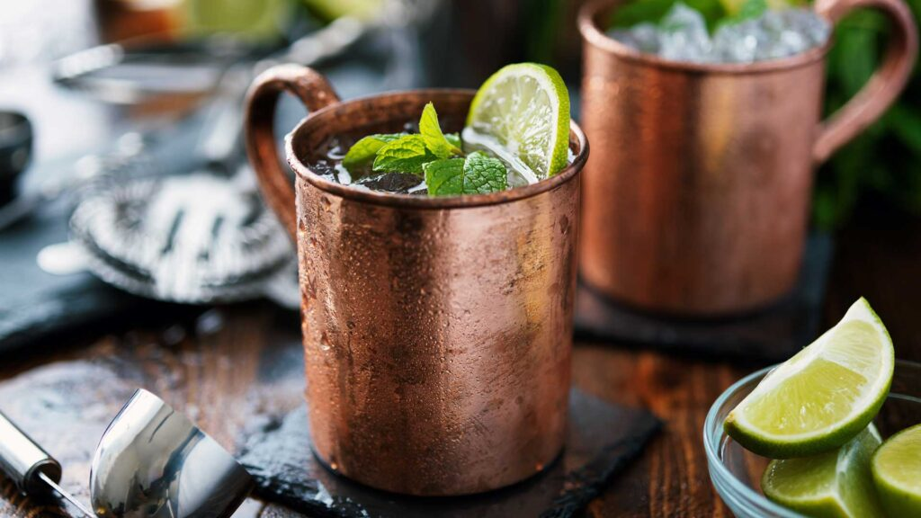 Cocktail-in-tazza-Moscow-Mule-Coqtail-Milano