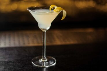 White-lady-cocktail-IBA-Coqtail-Milano