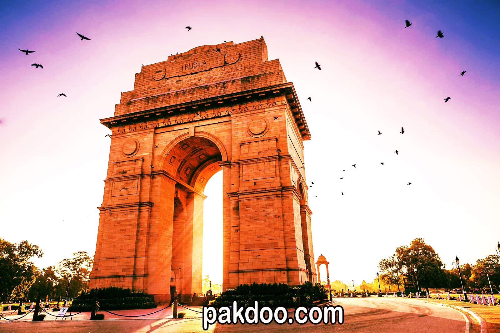 patriotic places to visit in delhi india for travellers - India Gate