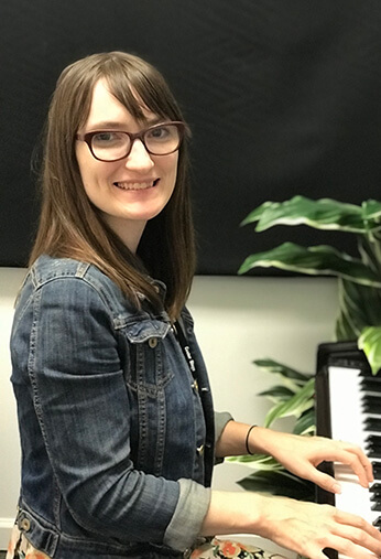 Beth Keyes, Piano and Woodwind Instructor at Center Stage Music Center