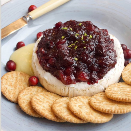 Spiced Cranberry Baked Brie, Thanksgiving recipe blog