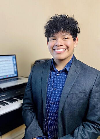 David Morales, Piano & voice teacher at Center Stage Music Center