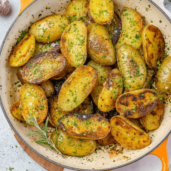 Skillet Roasted Garlic Potatoes