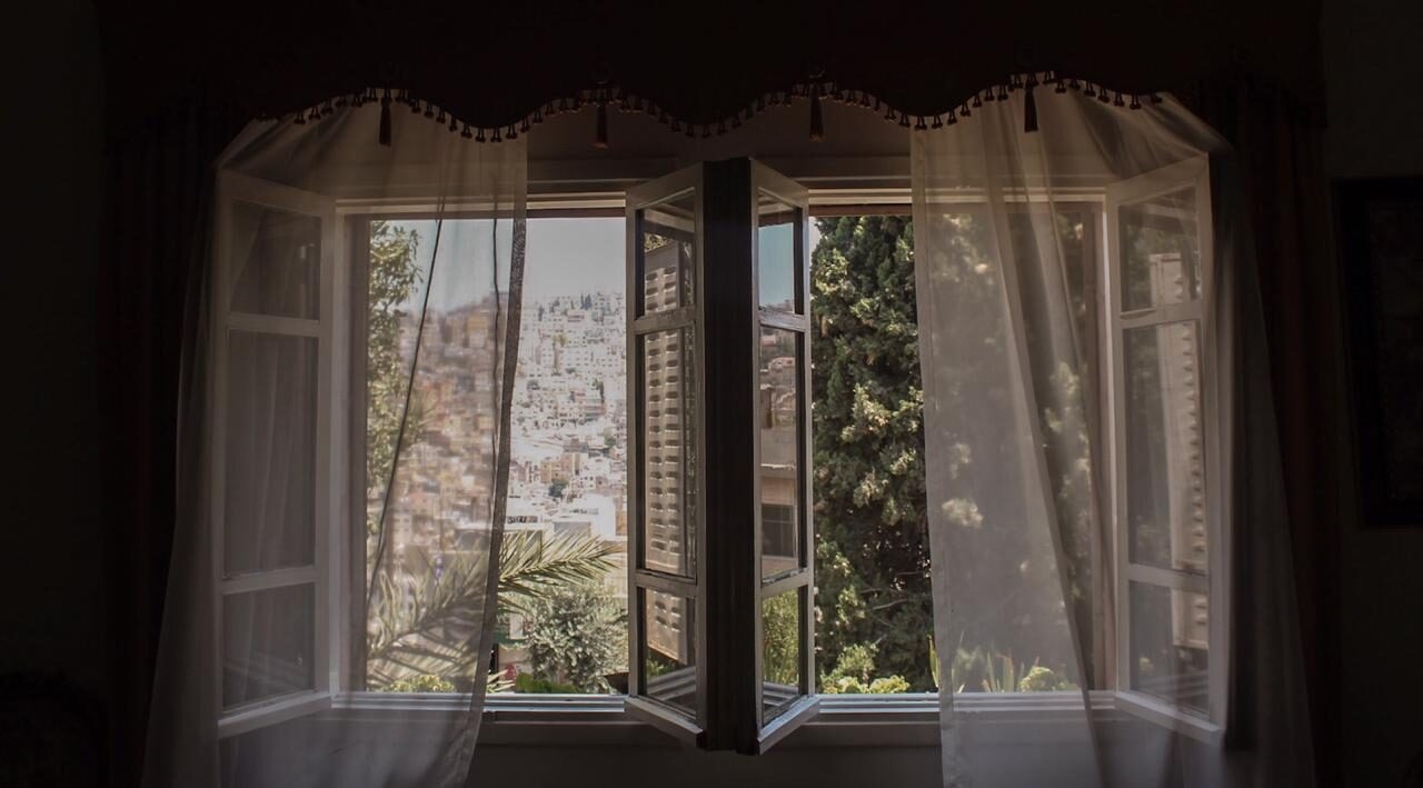 Photograph by Sima Qunsol