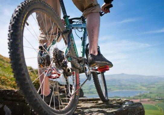biking-cycling-680x380