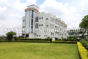 Deluxe hotel at Krishnanagar