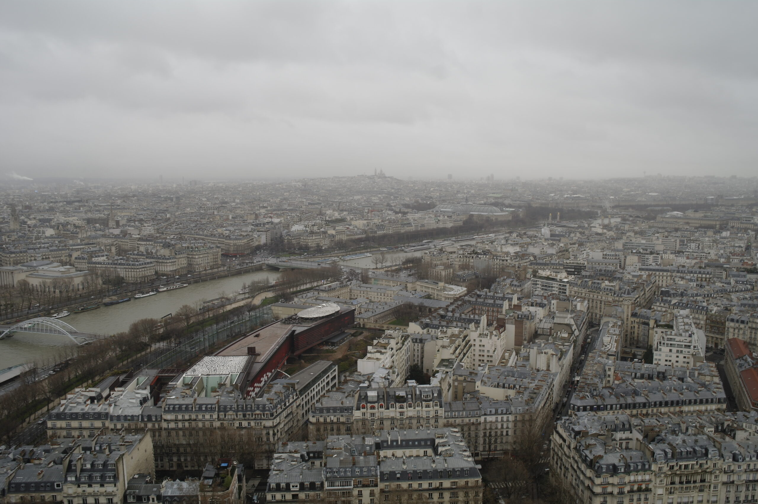 Panoramic views from the top of the Eiffel Toweranoramic views form the top of the Eiffel Tower